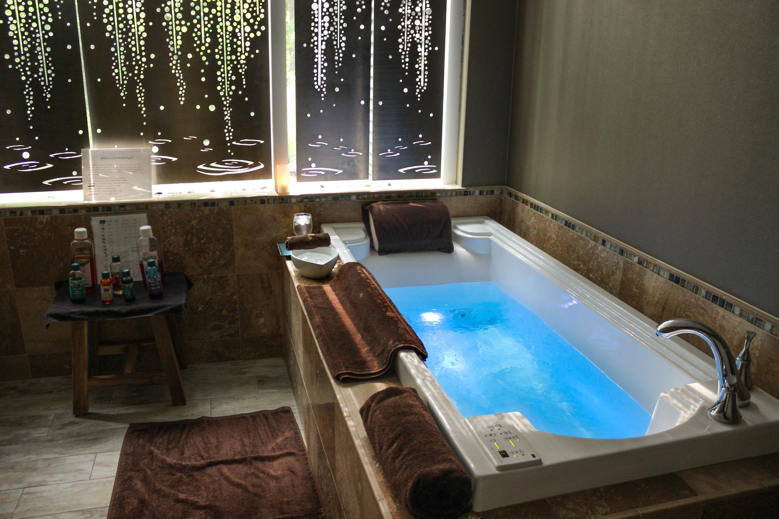 Hydrotherapy Tub at Complexions Spa in Saratoga Springs NY